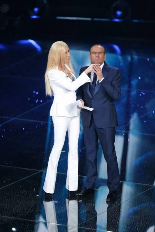 """Virginia Raffaele si """"trasforma"""" in Donatella Versace: le foto 8"""