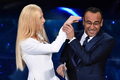 """Virginia Raffaele si """"trasforma"""" in Donatella Versace: le foto 10"""