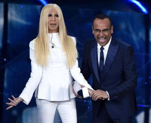 """Virginia Raffaele si """"trasforma"""" in Donatella Versace: le foto 20"""