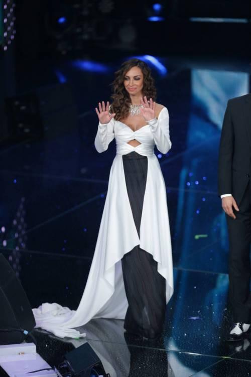 Madalina Ghenea, i sexy abiti a Sanremo 2016 6