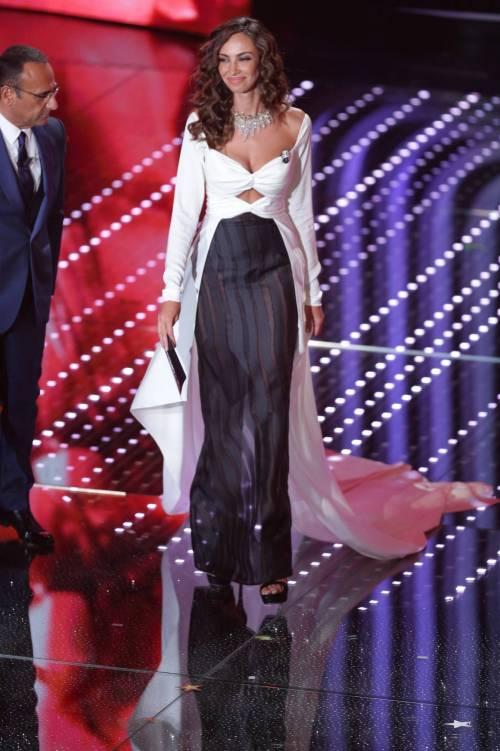 Madalina Ghenea, i sexy abiti a Sanremo 2016 11