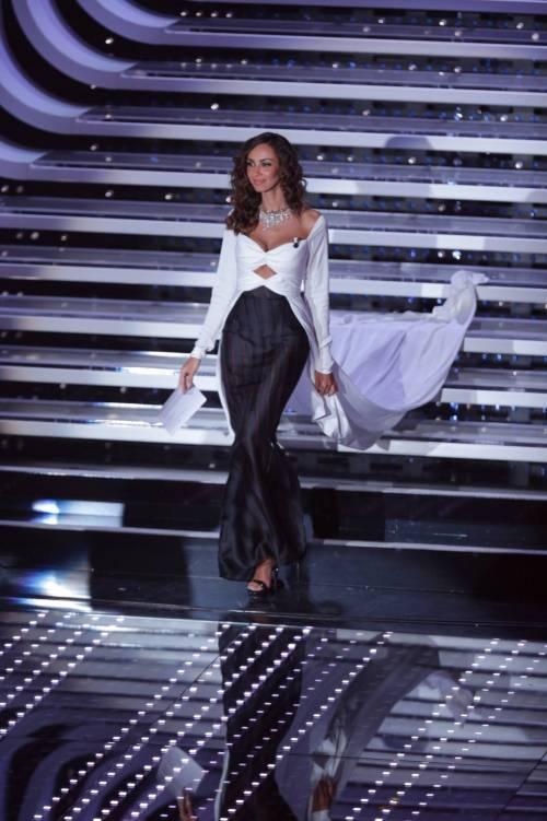 Madalina Ghenea, i sexy abiti a Sanremo 2016 1