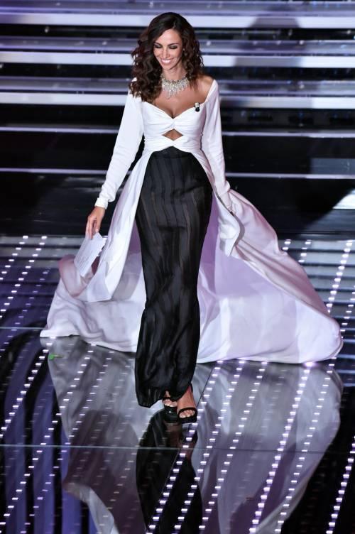 Madalina Ghenea, i sexy abiti a Sanremo 2016 40