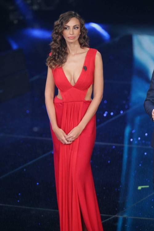 Madalina Ghenea, i sexy abiti a Sanremo 2016 10