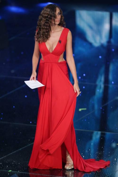 Madalina Ghenea, i sexy abiti a Sanremo 2016 24