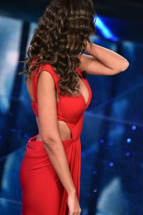 Madalina Ghenea, i sexy abiti a Sanremo 2016 33