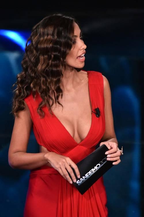 Madalina Ghenea, i sexy abiti a Sanremo 2016 49