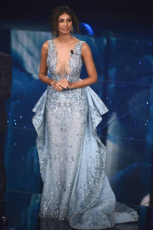 Madalina Ghenea, i sexy abiti a Sanremo 2016 68