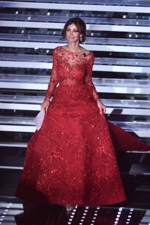 Madalina Ghenea, i sexy abiti a Sanremo 2016 16