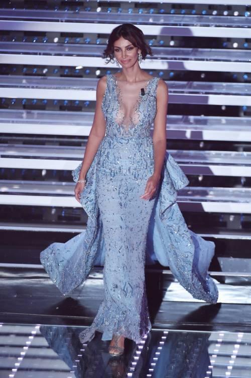 Madalina Ghenea, i sexy abiti a Sanremo 2016 26