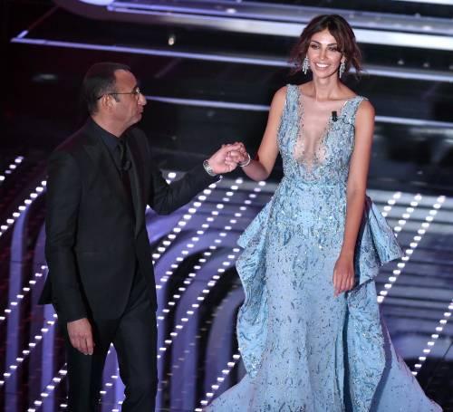 Madalina Ghenea, i sexy abiti a Sanremo 2016 29