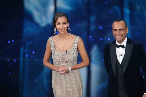 Madalina Ghenea, i sexy abiti a Sanremo 2016 32