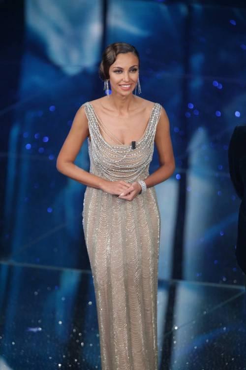 Madalina Ghenea, i sexy abiti a Sanremo 2016 38