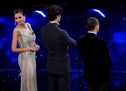 Madalina Ghenea, i sexy abiti a Sanremo 2016 53