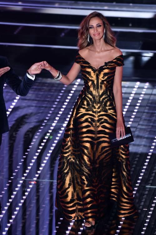 Madalina Ghenea, i sexy abiti a Sanremo 2016 82