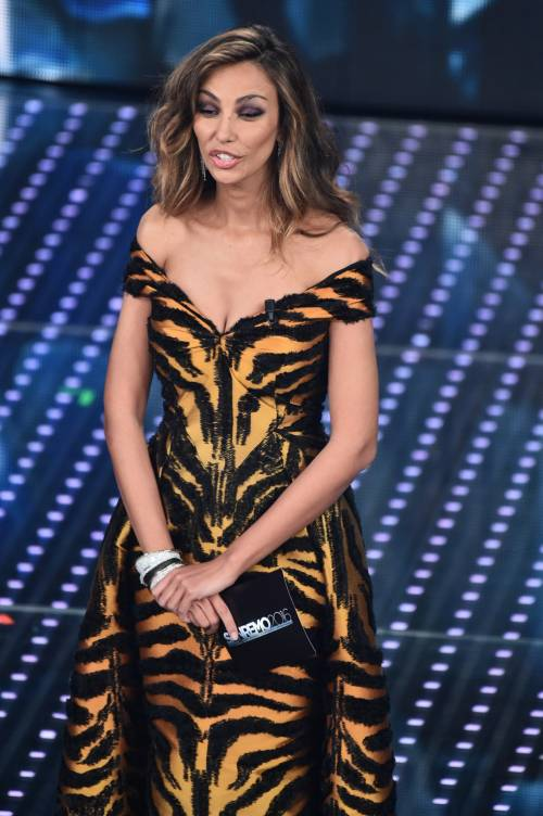 Madalina Ghenea, i sexy abiti a Sanremo 2016 94