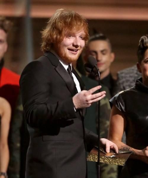Grammy 2016: è di Ed Sheeran la canzone dell'anno. Foto 5