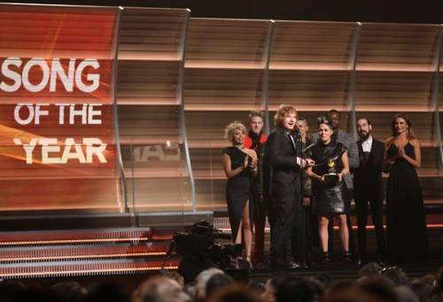 Grammy 2016: è di Ed Sheeran la canzone dell'anno. Foto 7