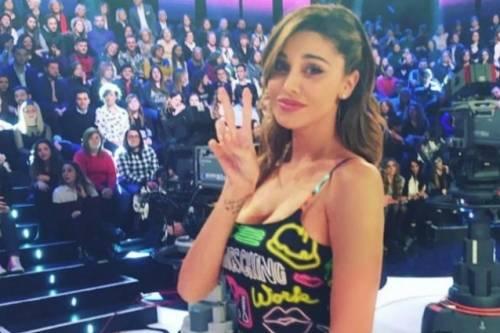 "Belen Rodriguez torna in tv con ""Pequenos gigantes"" 2"