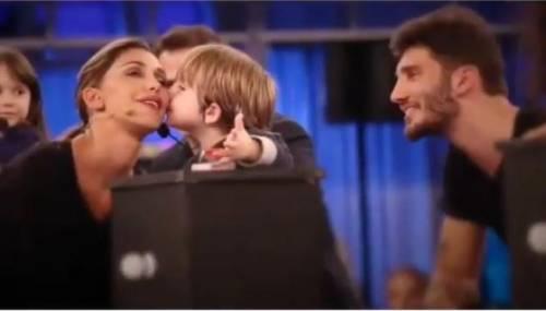 "Belen Rodriguez torna in tv con ""Pequenos gigantes"" 3"