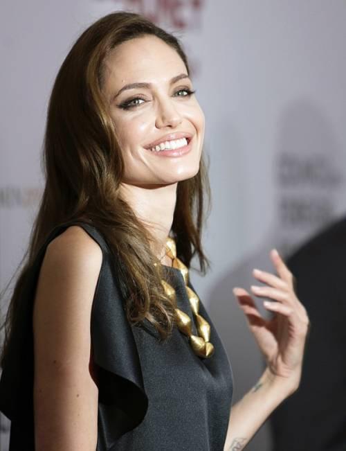 """Angelina Jolie: """"non ho mai pensato a me stessa come a una madre"""". Le foto 17"""