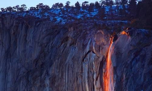Yosemite falls l 39 incredibile illusione delle cascate di fuoco for Cabine di alloggio del parco nazionale di yosemite