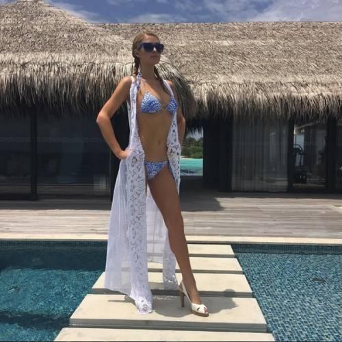 Paris Hilton, compleanno sexy su un'isola da sogno: foto 5