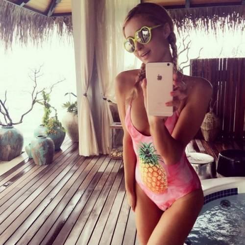 Paris Hilton, compleanno sexy su un'isola da sogno: foto 7
