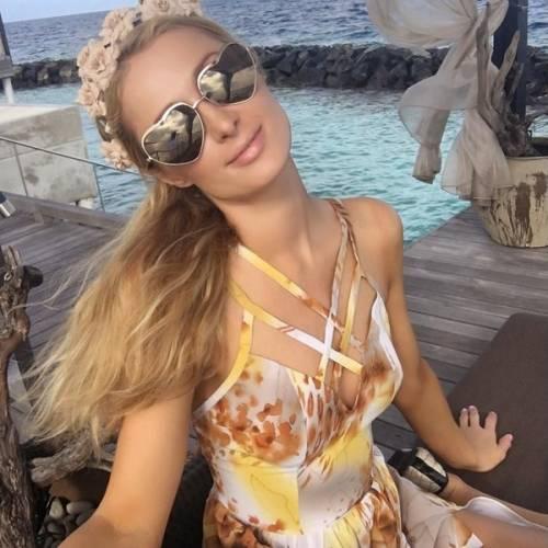 Paris Hilton, compleanno sexy su un'isola da sogno: foto 11