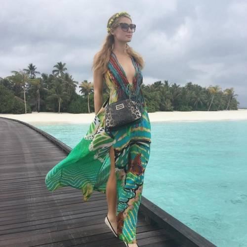 Paris Hilton, compleanno sexy su un'isola da sogno: foto 13
