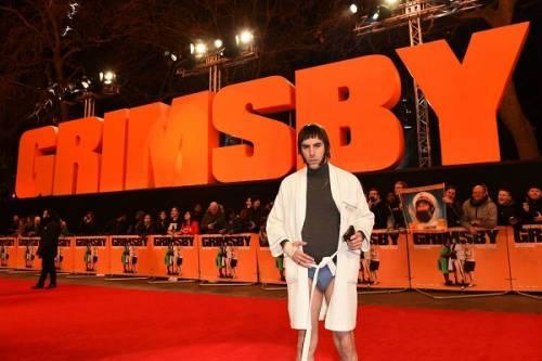 Il red carpet trash di Sasha Baron Cohen: le foto 2