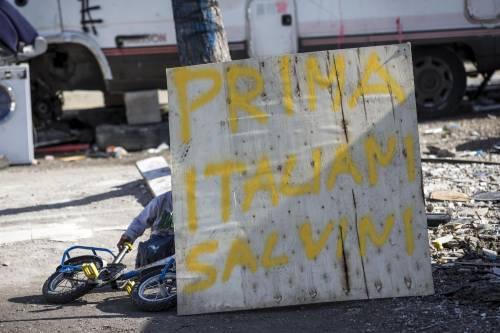 """Salvini fra le baracche dei rom: """"Da incivili vivere in un campo"""" 2"""