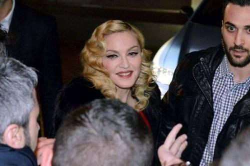 Madonna, dalle Filippine i vescovi chiedono di boicottare i concerti: foto 10