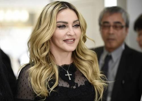Madonna, dalle Filippine i vescovi chiedono di boicottare i concerti: foto 15