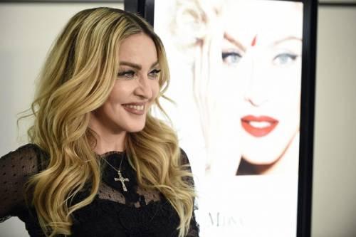 Madonna, dalle Filippine i vescovi chiedono di boicottare i concerti: foto 13