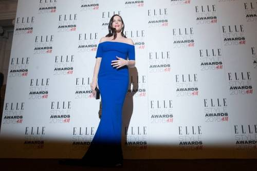 Liv Tyler incinta sul red carpet agli Elle Style Awards: foto  3
