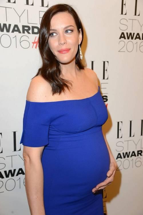 Liv Tyler incinta sul red carpet agli Elle Style Awards: foto  6