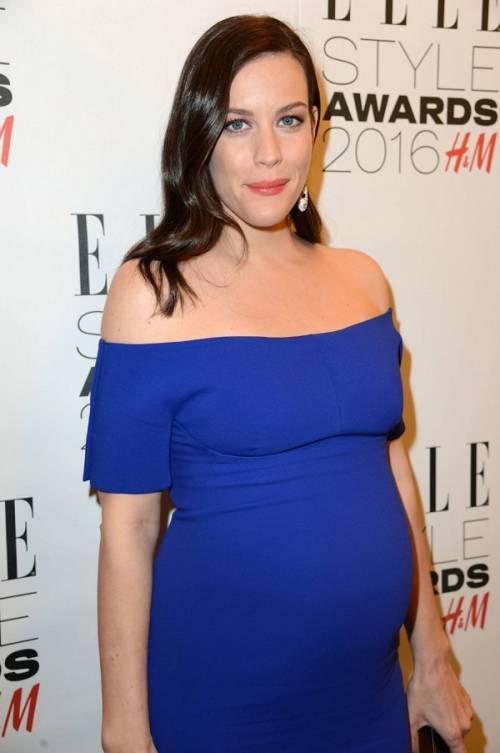 Liv Tyler incinta sul red carpet agli Elle Style Awards: foto  10