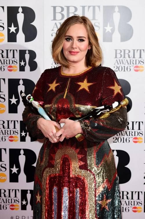 Adele, la regina dei Brit Awards 2016: foto 4