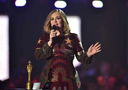 Adele, la regina dei Brit Awards 2016: foto 18