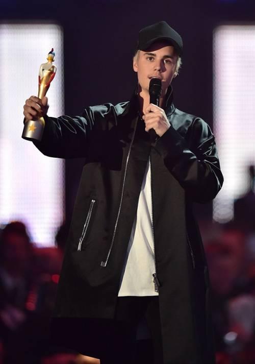Brit Awards 2016: performance, vincitori e il tributo a David Bowie: foto 7
