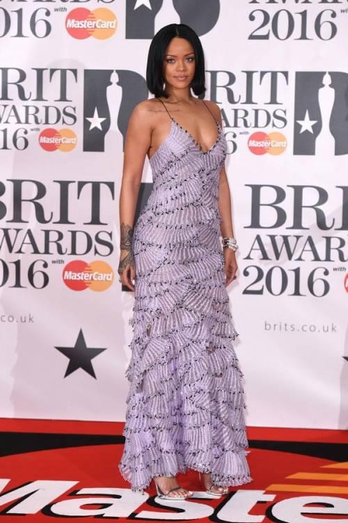 Brit Awards 2016: performance, vincitori e il tributo a David Bowie: foto 15