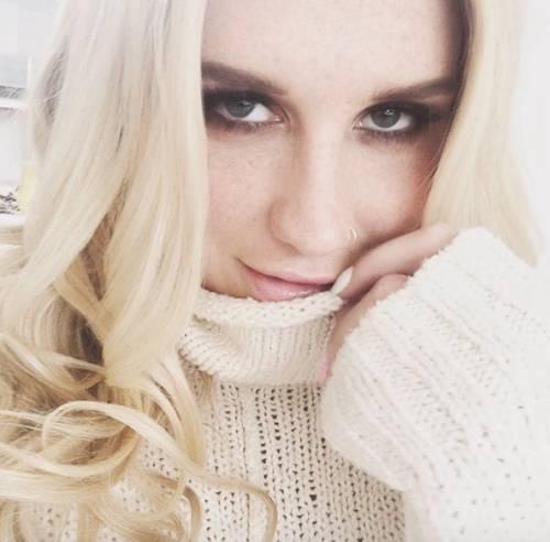"""L'appello di Kesha alle donne: """"Se subite abusi perlate"""" 4"""