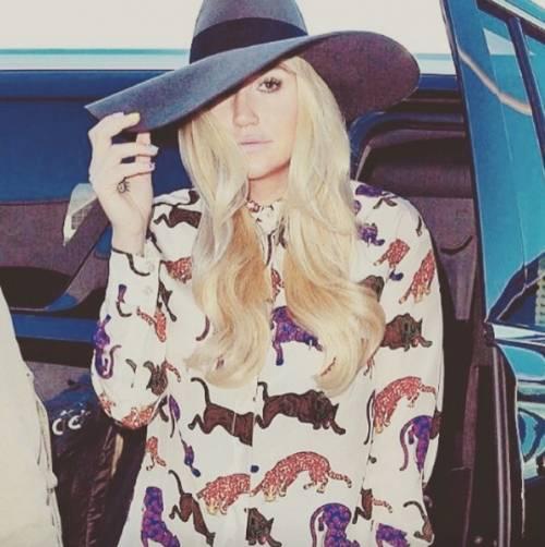 """L'appello di Kesha alle donne: """"Se subite abusi perlate"""" 7"""