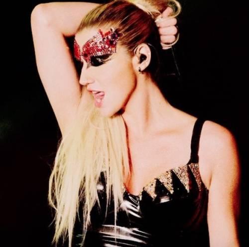 """L'appello di Kesha alle donne: """"Se subite abusi perlate"""" 12"""