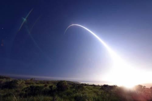 Usa contro la Corea del Nord: lanciato missile intercontinentale