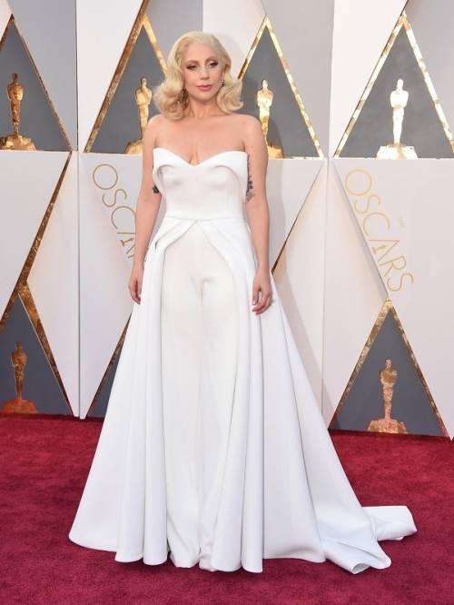 Lady Gaga agli Oscar 2016: foto 3
