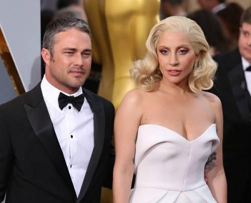 Lady Gaga agli Oscar 2016: foto 6