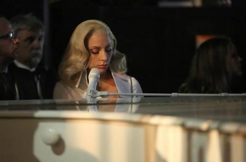 Lady Gaga agli Oscar 2016: foto 14