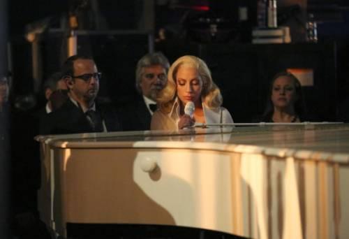 Lady Gaga agli Oscar 2016: foto 19